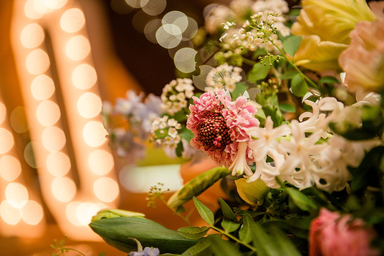 Picture perfect florals by Lucy MacNicoll Floral Design , image by Dominic Wright