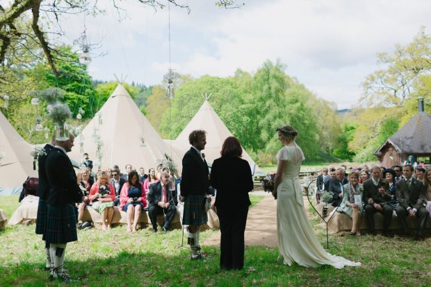Sarah &James PapaKåta Teepee wedding at Mains Of Taymouth