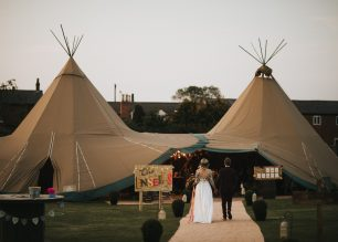 Anneka & Chris PapaKåta Teepee Tipi Wedding