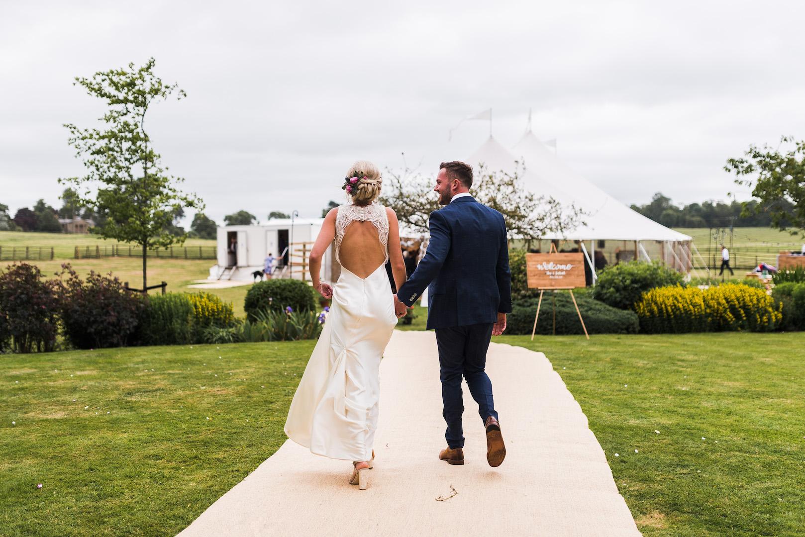 Sarah and Joe's PapaKata Sperry Wedding: Making an entrance