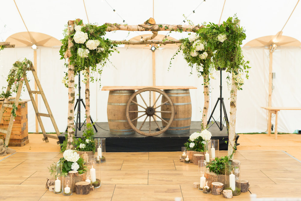 PapaKata Sperry Tent with Ceremony Arch