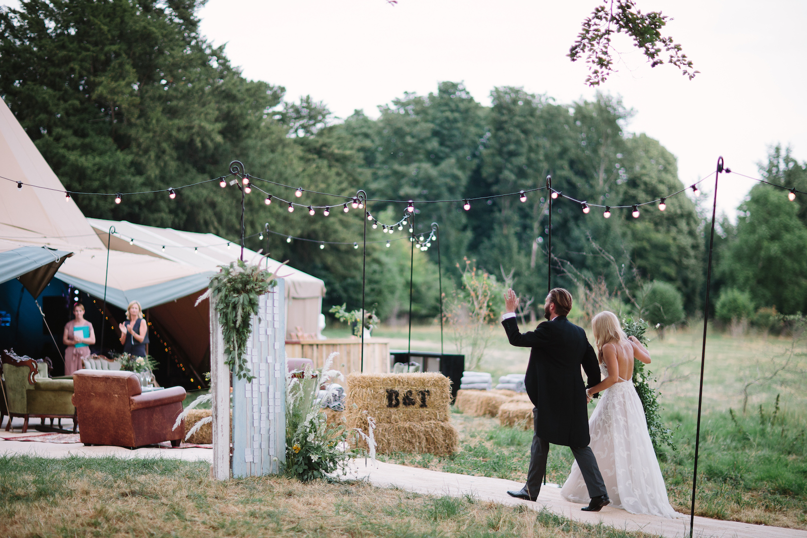 Brennan and Tom's PapaKåta Teepee Wedding by Barker Evans Photography