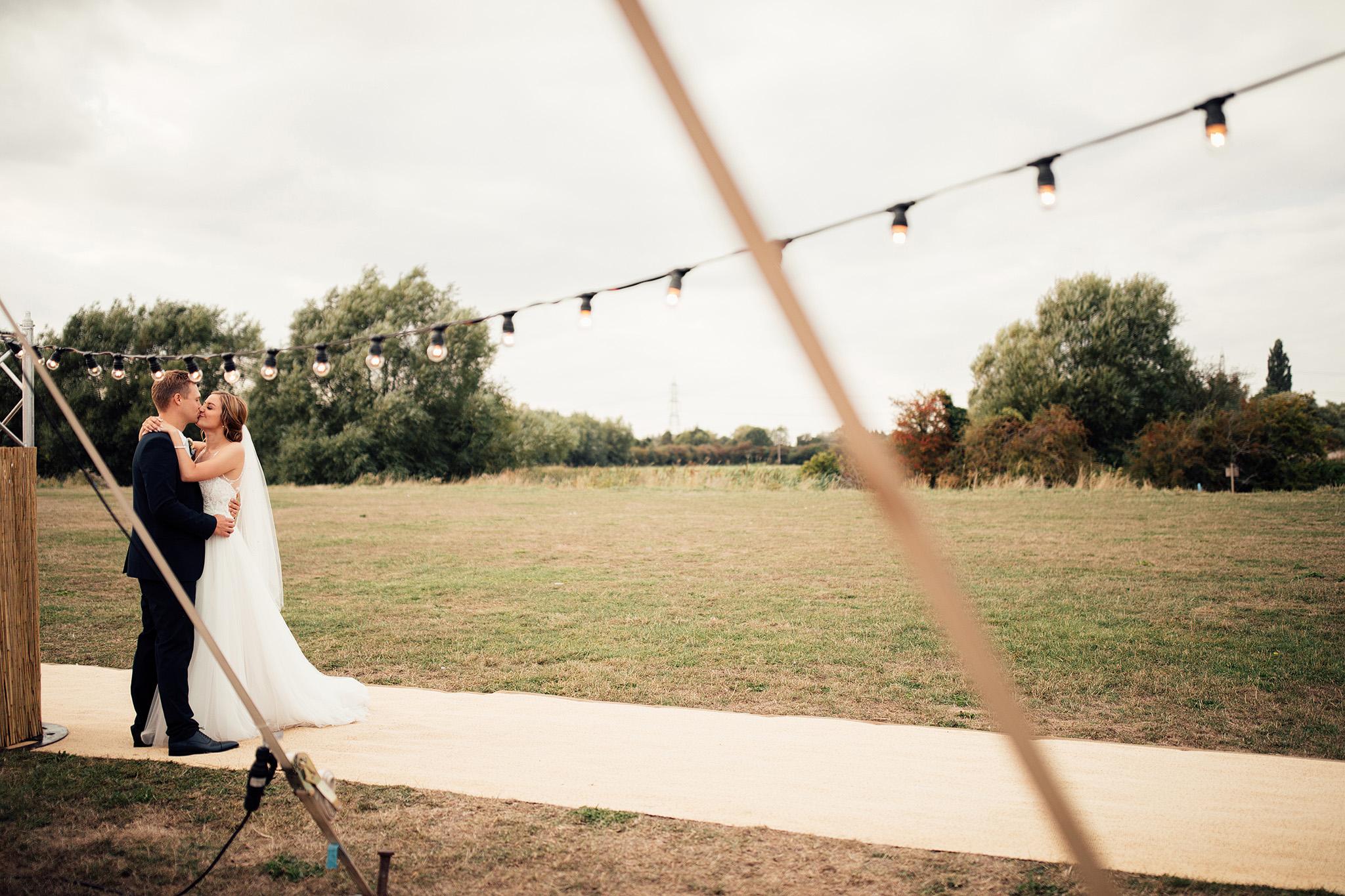 PapaKåta Sperry Wedding in Oxfordshire by Harry Michael Photography- Festoon Walkway