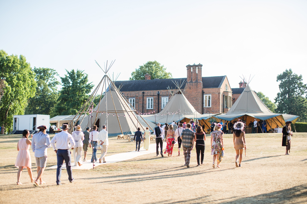PapaKåta Teepee Wedding in Buckinghamshire Planned by Charlotte Elise Weddings and Events captured by Cecelina Photography- Making an entrance