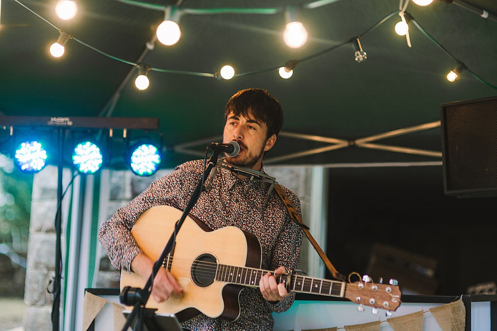 PapaKata Chilled DIY Festival Inspired Teepee Wedding Captured by Anna Wood Photography- Entertainment by Michael Mulholland