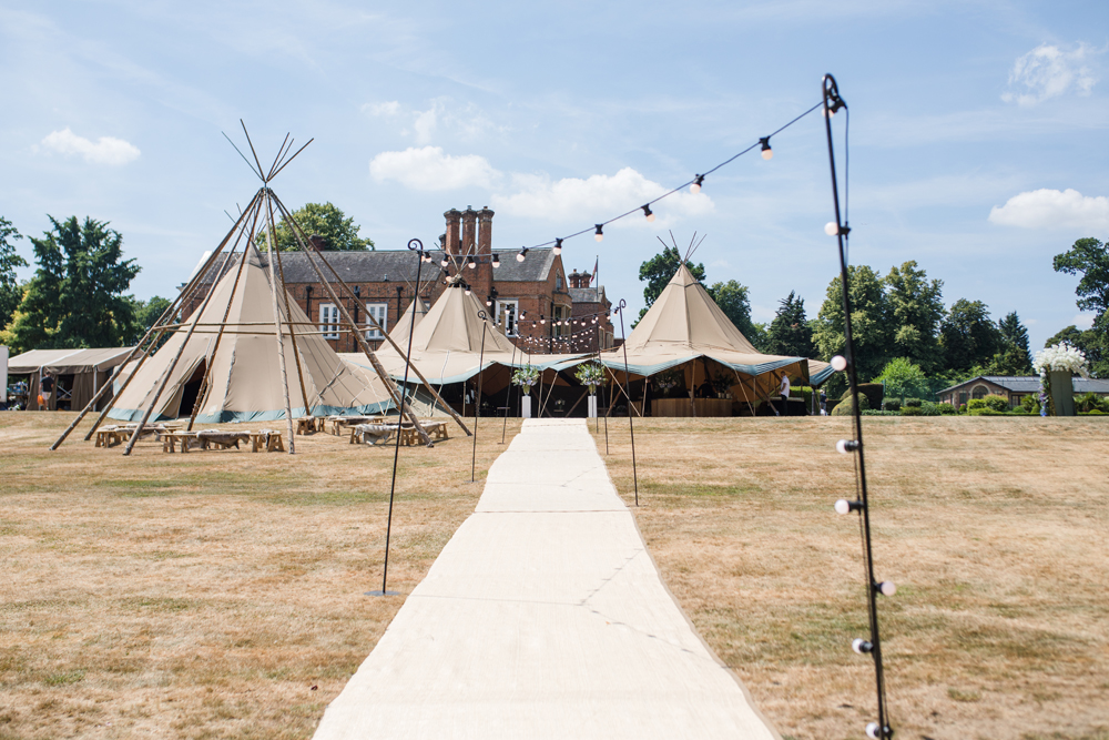 PapaKåta Teepee Wedding in Buckinghamshire Planned by Charlotte Elise Weddings and Events captured by Cecelina Photography