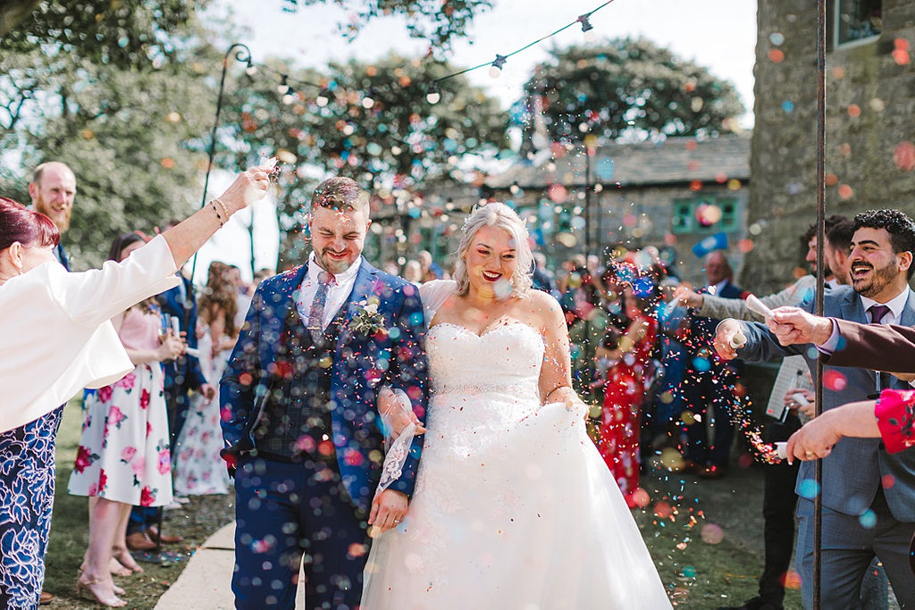 PapaKata Chilled DIY Festival Inspired Teepee Wedding Captured by Anna Wood Photography- Confetti Throw