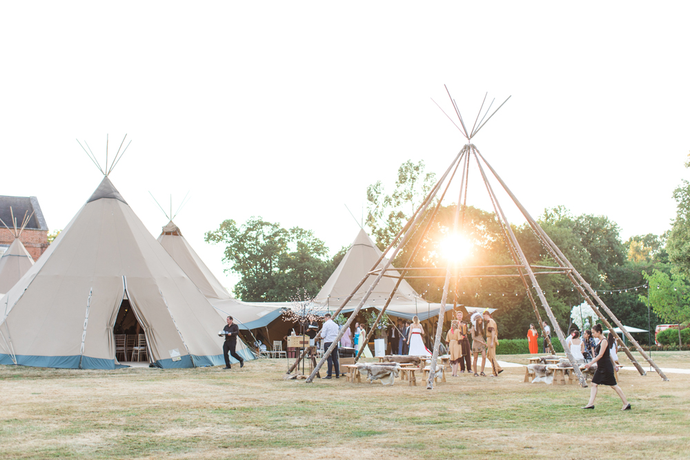PapaKåta Teepee Wedding with Charlotte Elise Events by Cecelina Photography