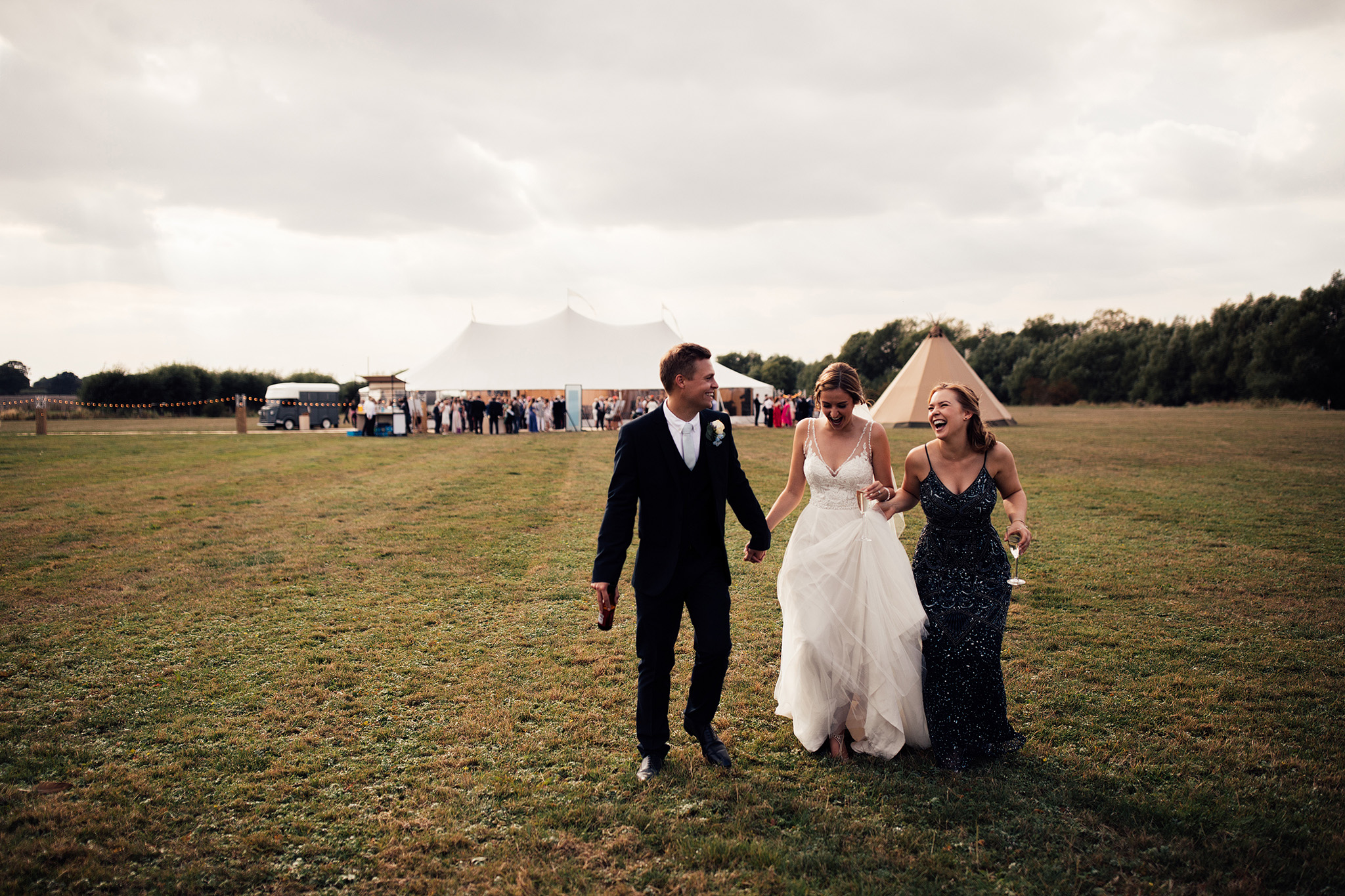 PapaKåta Sperry Wedding in Oxfordshire by Harry Michael Photography- Bridal party style