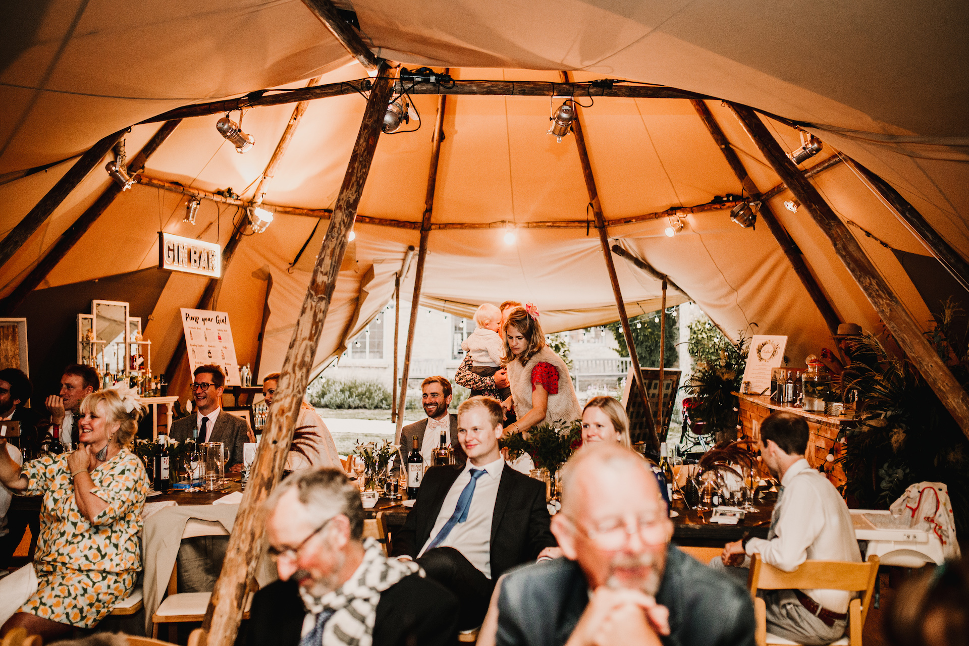 PapaKåta couple Hayley & Luke's Teepee Wedding in Ascott-Under-Wychwood, Oxon captured by Carla Blain Photography- Wedding guests