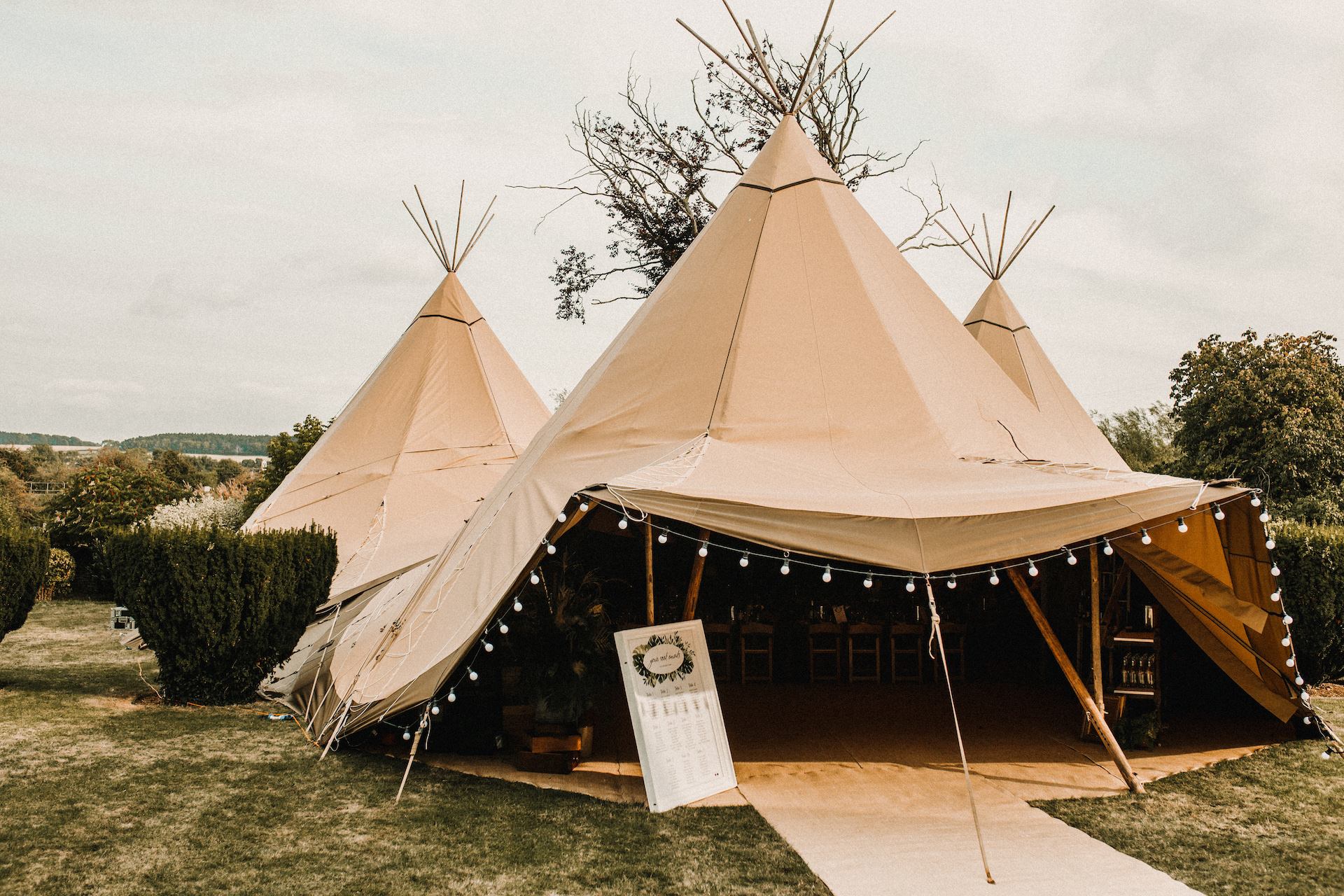PapaKåta couple Hayley & Luke's Teepee Wedding in Ascott-Under-Wychwood, Oxon captured by Carla Blain Photography- Teepee exterior
