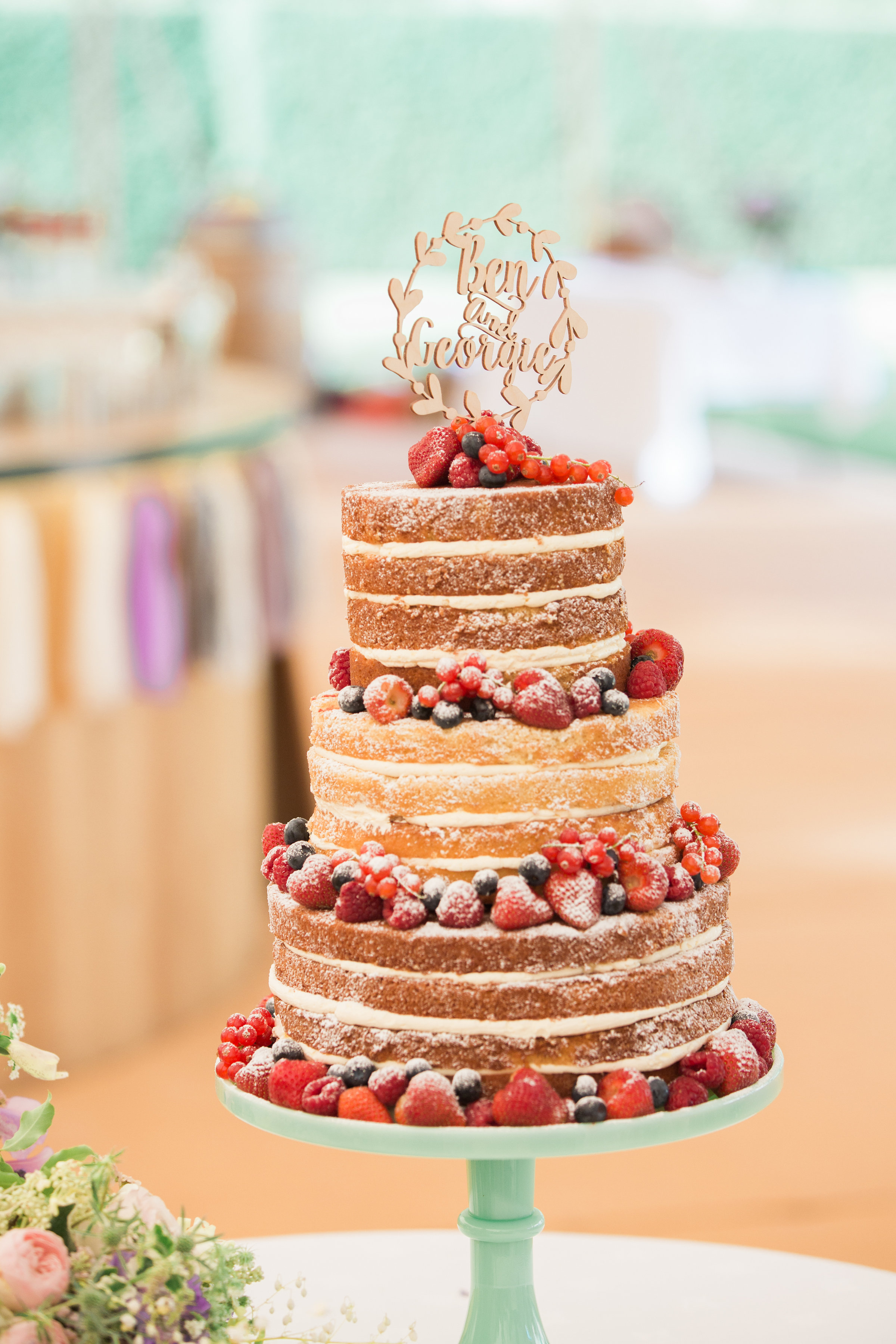 Georgie & Ben's PapaKåta Sperry Tent wedding at Newington House captured by Lucy Davenport: Wedding Cake by Red House Cake Company