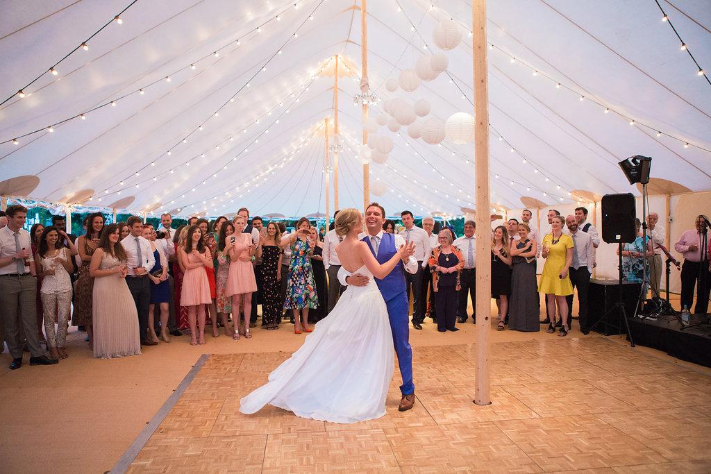 Georgie & Ben's PapaKåta Sperry Tent wedding at Newington House captured by Lucy Davenport: The first dance
