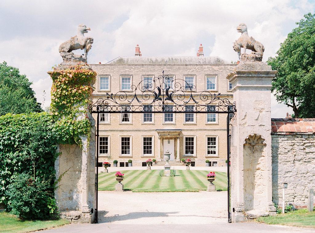 Georgie & Ben's PapaKåta Sperry Tent wedding at Newington House captured by Lucy Davenport: Newington House, Oxfordshire