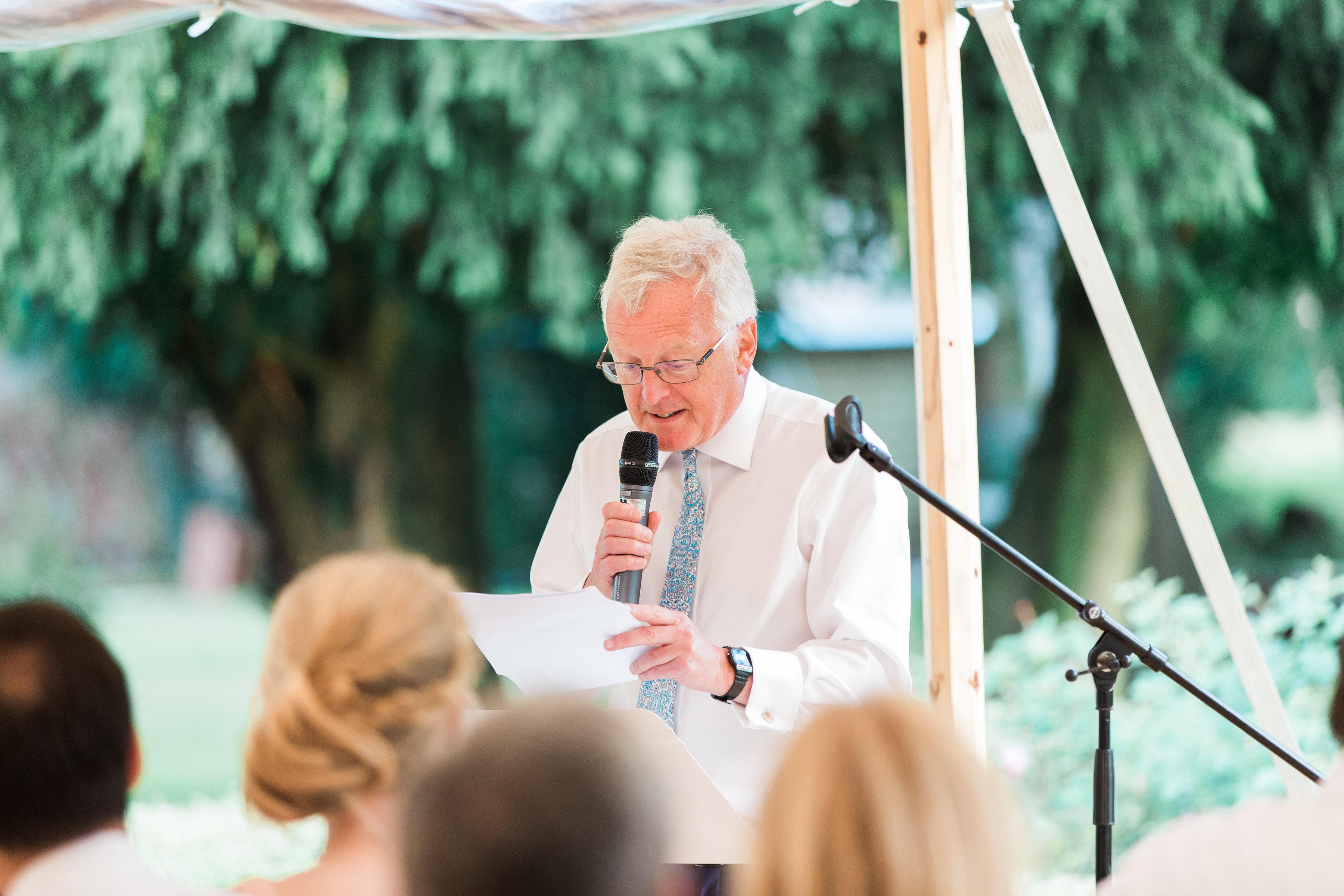 Georgie & Ben's PapaKåta Sperry Tent wedding at Newington House captured by Lucy Davenport: Speeches