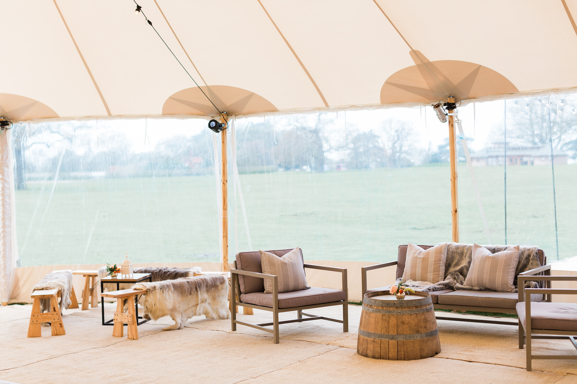 PapaKåta Spring Open Weekend Sperry Tent captured by Lucy Davenport Photography: Chill Out Snug & Hamptons Sofa Set