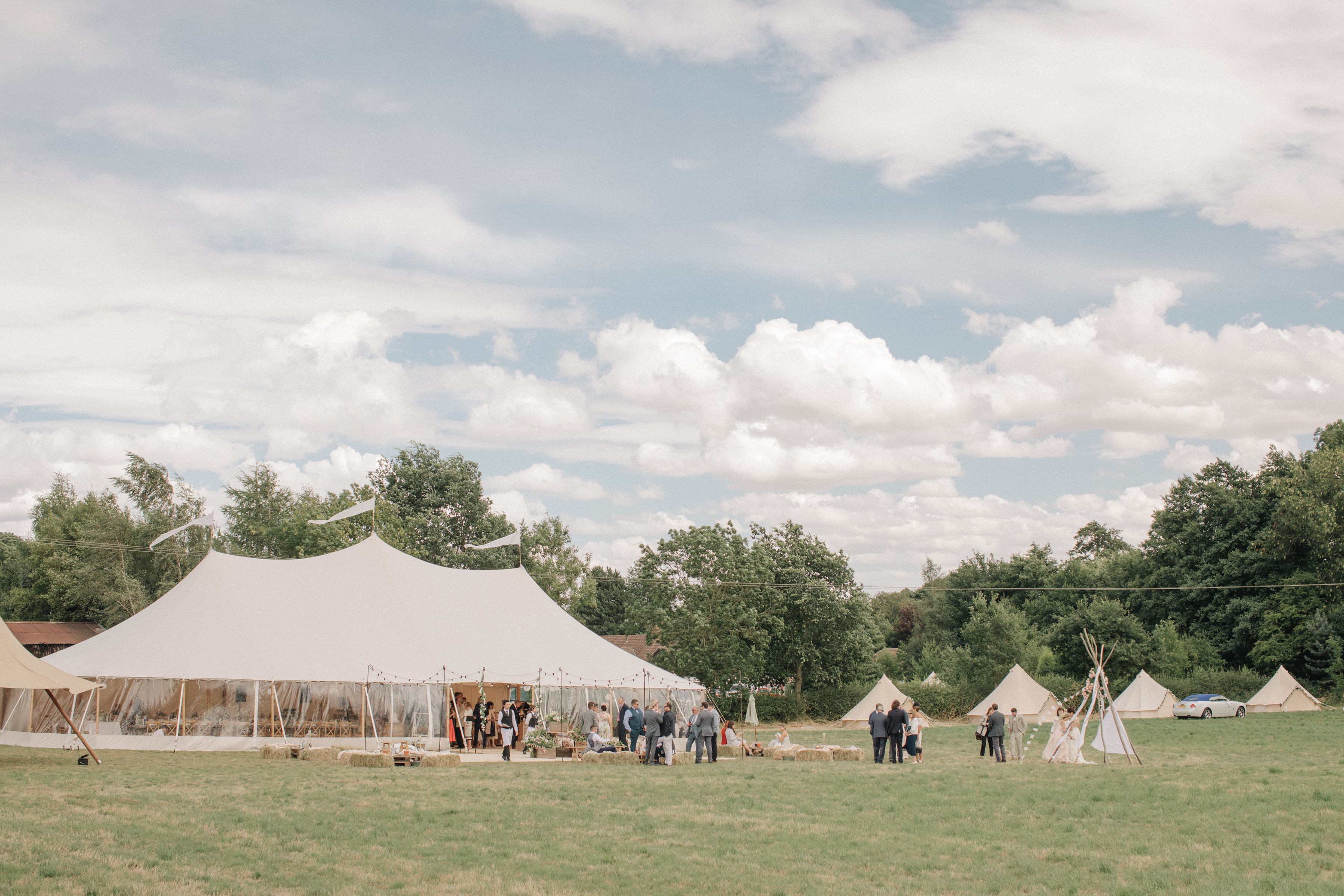 Steph & Ed's PapaKåta Sperry Tent wedding at home in Nottingham captured by M & J Photography