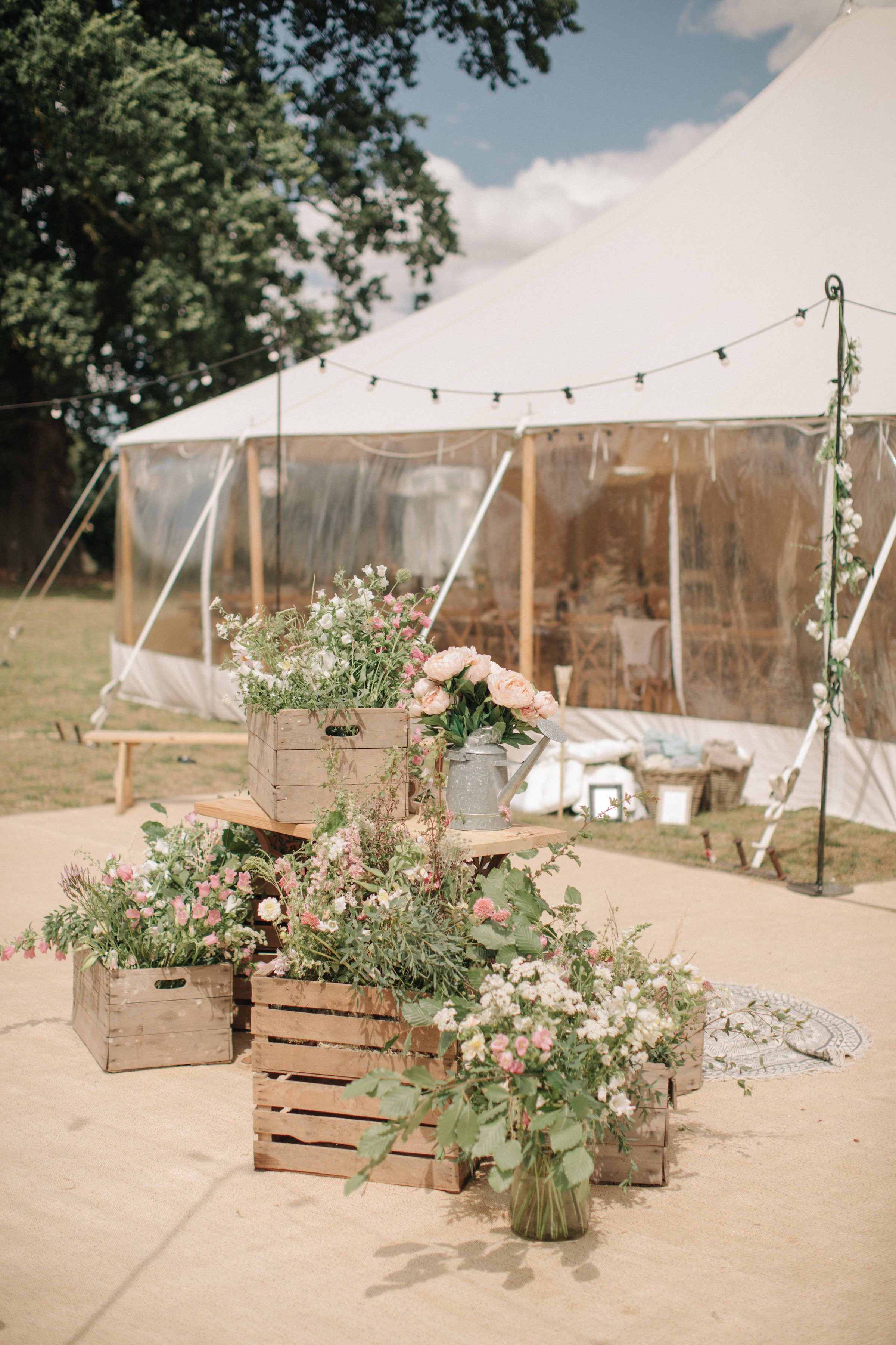 Steph & Ed's PapaKåta Sperry Tent wedding at home in Nottingham captured by M & J Photography: Florals by Elder & Wild